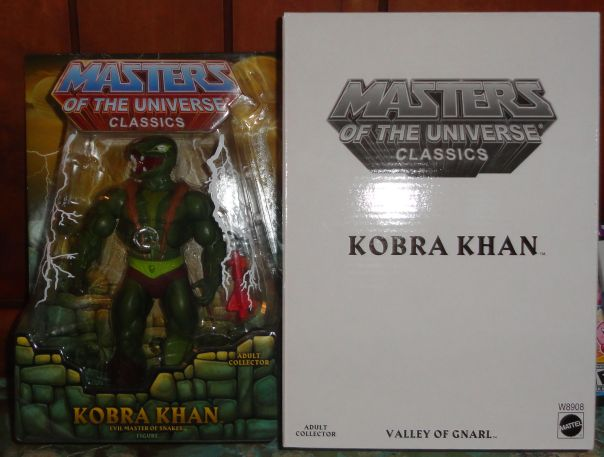 Kobra Khan in box