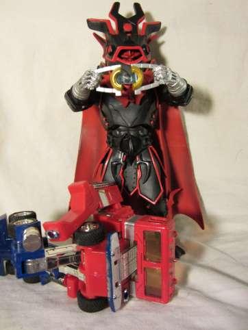 Horde Optimus takes the Matrix